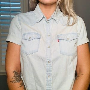 Levi's western style short sleaze pearl button up